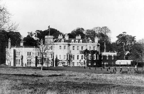 Little Linford Hall - Copyright: Buckinghamshire County Council