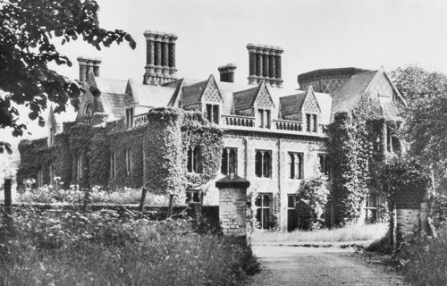 Lee Priory